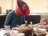Coca-Cola'dan Başını Telefondan Kaldıramayan Sosyal Medya Bağımlılarına Özel Aparat.. Bunu Hediye Edeceğiniz Birileri Mutlaka Var!