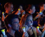 Sinemada Rahatça Film İzlenebilsin Diye Fosforlu Dondurma Ürettiler.. Tanıtım Videosunu İzleyin!