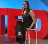 Engelinden Dolayı Tüm Vucudu Titreyen Bu Kadın İlham Verici Müthiş Konuşmasıyla İzleyicileri Göz Yaşları İçerisinde Bırakıyor