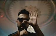Tarkan – Hop De Şarkısını Dinle, Video Klibini İzle ve Şarkı Sözlerini Oku
