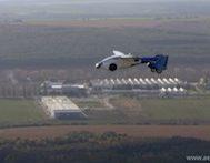 Önümüzdeki 10 Yıl İçinde Trafikte Olacağı Düşünülen Bu Uçan Araba Slovaklar Tarafından Tanıtıldı