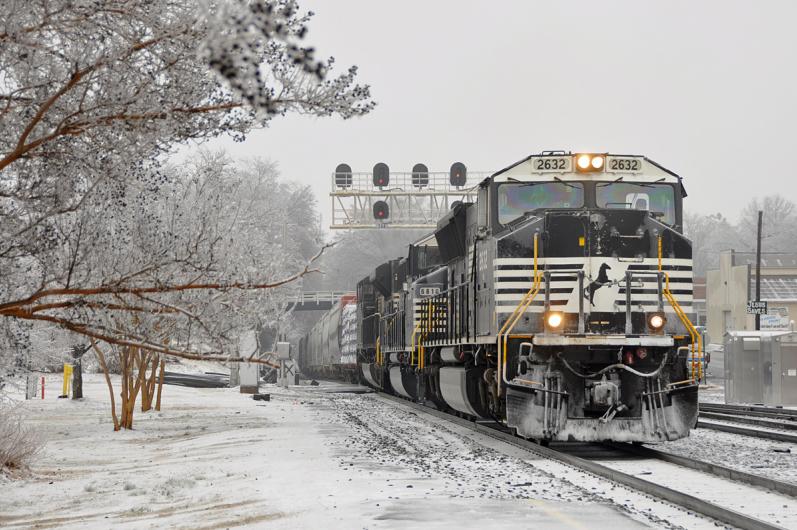 Siyah Beyaz Tren