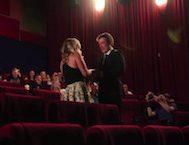Sinemada Kız Arkadaşına Yaptığı Evlilik Teklifiyle Gözleri Dolduran Avustralyalı Genç