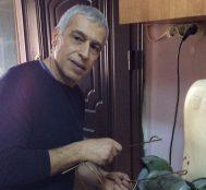 Agop Kuyumcuoğlu: Felçli Kediler için Yürüteç Yapan Adamın Yürek Isıtan Hikayesi