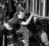 Batı'da Savaş Zamanı Aşkı Gösteren 20 Fotoğraf