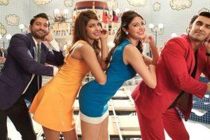 Olmadık Sahnelerde Aniden Başlayan Müzikleriyle Sizi Sürükleyecek 15 Hint Filmi