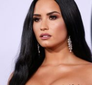 Demi Lovato Game of Sultans Oyununun Reklamına Ateş Püskürdü – Instagram Yetkilileri Özür Diledi