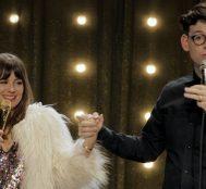 Netflix'te İzleyebileceğiniz Gülmekten Karnınızı Ağrıtacak 15 Stand-Up Şovu
